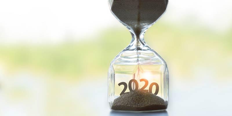 Stundenglas durch welches die Zeit bis zum neuen Jahr verrinnt