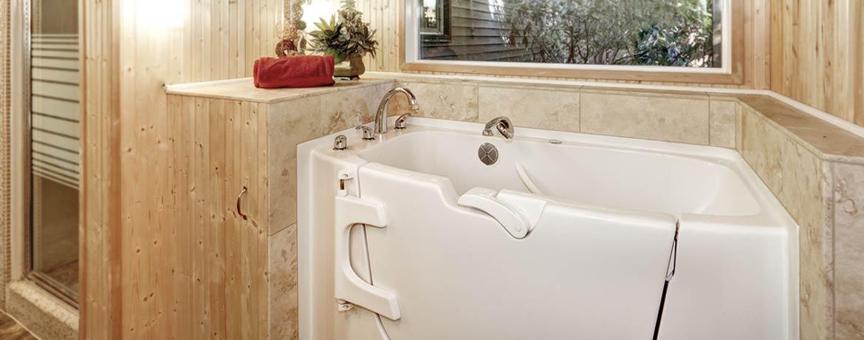 Badewannentür: Für einen barrierefreien Einstieg - Nachträglicher Einbau an nur einem Tag!