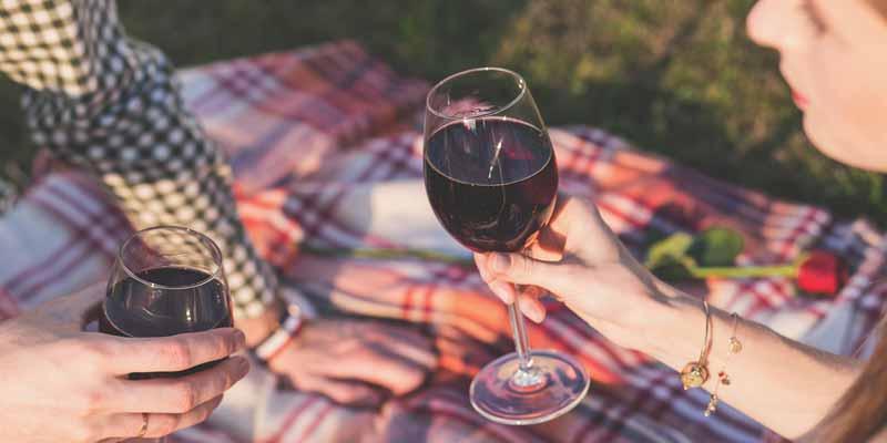 Picknick mit Rotwein