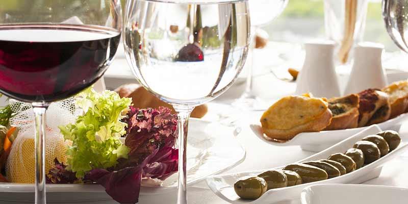 Speisen mit Wein