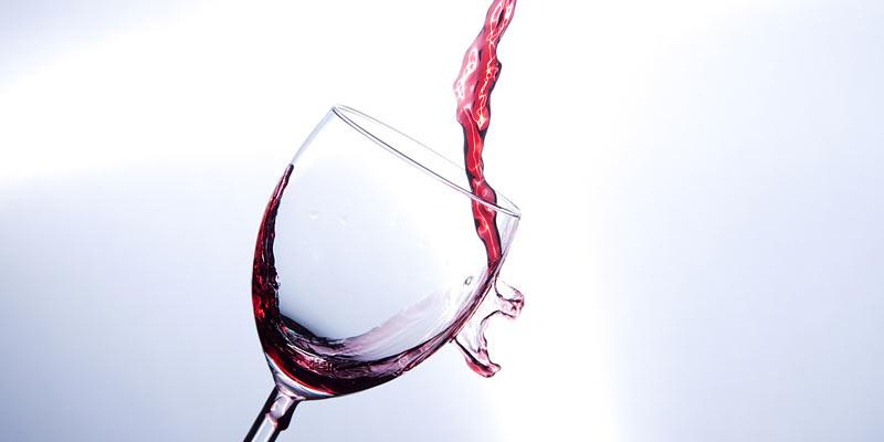 Rotwein im Glas