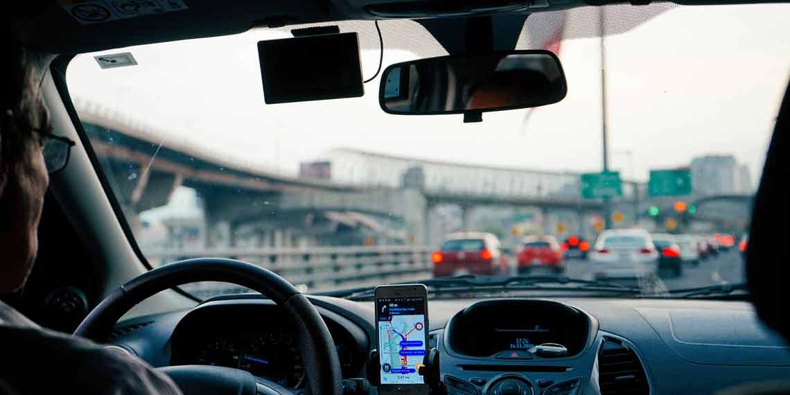 Autofahrer im Straßenverkehr